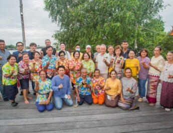 """ททท. ส่งเสริมสานต่อ """"โครงการศาสตร์พระราชา เพื่อการพัฒนาการท่องเที่ยว มุ่งเน้น Expat Tourism พาคณะเอกอัครราชฑูต ออกเดินทางท่องเที่ยวเสริมประสบการณ์ทั่วไทย"""