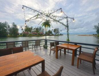 """เที่ยวฟิน กินอาหารทะเลอร่อย เล่นซับบอร์ดสุดชิล """"SUP Station Koh Chang สวรรค์ทะเลตราด สุดยอดธรรมชาติแดนบูรพา"""